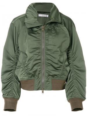 Куртка-бомбер со сборками Vince. Цвет: зелёный