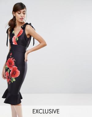 True Violet Платье-футляр миди с расклешенным подолом и маками. Цвет: мульти