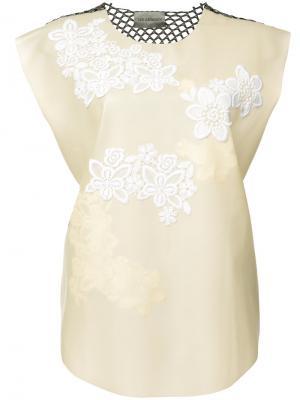 Блузка с вышивкой Les Animaux. Цвет: телесный