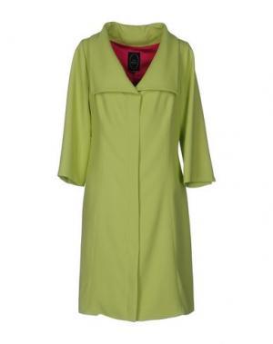 Легкое пальто IVAN MONTESI. Цвет: кислотно-зеленый