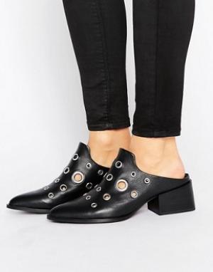 Sol Sana Кожаные туфли на каблуке с люверсами Clarice. Цвет: черный