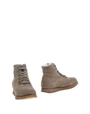 Полусапоги и высокие ботинки TRICKER'S. Цвет: бежевый