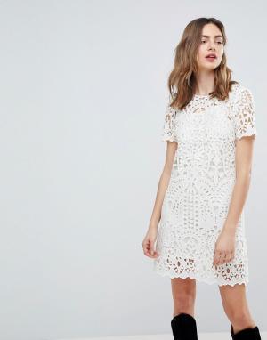 Deby Debo Кружевное платье. Цвет: белый