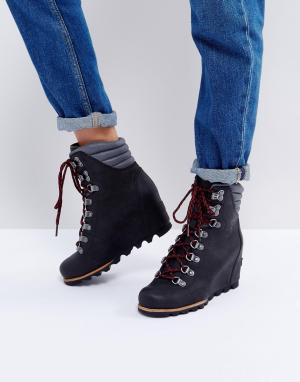 Sorel Черные ботинки на танкетке со шнуровкой Conquest. Цвет: черный