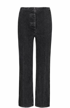 Укороченные джинсы прямого кроя с потертостями The Row. Цвет: темно-серый