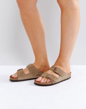Birkenstock Серо-коричневые замшевые сандалии для узкой стопы Arizona. Цвет: светло-бежевый