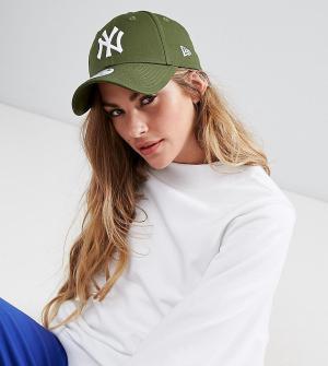 New Era Кепка цвета хаки 9Forty NY. Цвет: зеленый