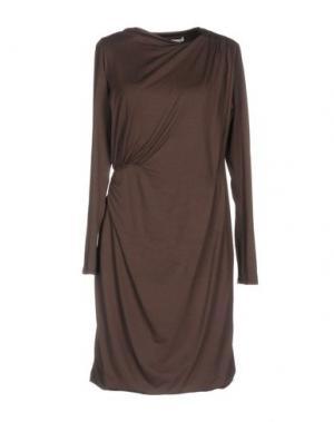 Короткое платье E-GÓ. Цвет: хаки