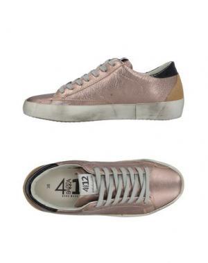 Низкие кеды и кроссовки QUATTROBARRADODICI. Цвет: розовый