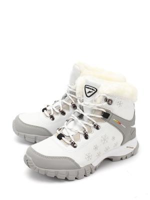 Ботинки TF. Цвет: белый