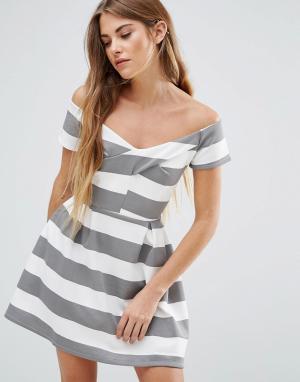 Wal G Короткое приталенное платье в полоску. Цвет: мульти