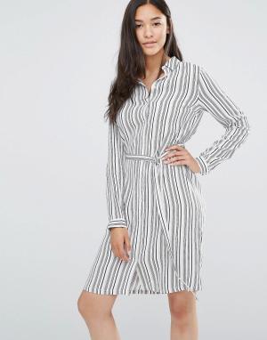 Soaked in Luxury Платье-рубашка в полоску с поясом. Цвет: мульти