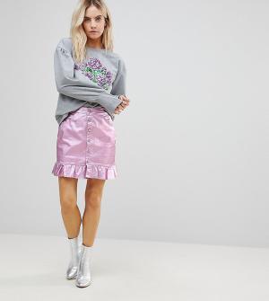 Chorus Petite Розовая джинсовая юбка с оборкой. Цвет: розовый