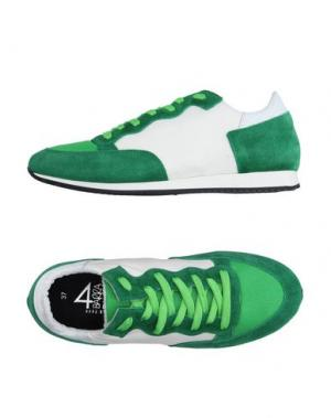 Низкие кеды и кроссовки QUATTROBARRADODICI. Цвет: зеленый