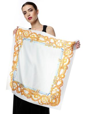 Платок шелк Белый с рамкой из широких золотых цепей SEANNA. Цвет: белый, золотистый