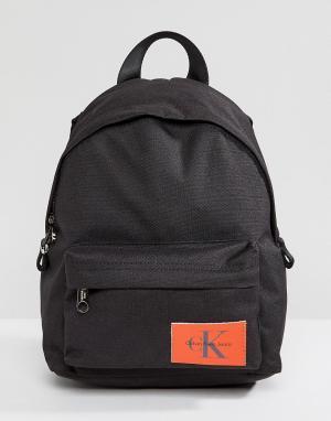 Calvin Klein Маленький рюкзак с логотипом Jeans. Цвет: черный