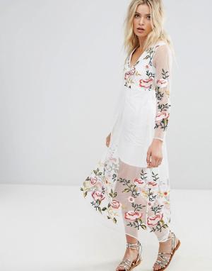 RD & Koko Платье с длинными рукавами и цветочной вышивкой. Цвет: белый