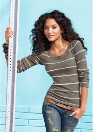 Пуловер AJC. Цвет: белый/темно-синий, коричневый меланжевый/цвет белой шерсти, темно-синий/белый, черный/белый
