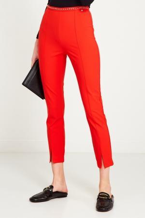 Красные брюки с поясом-цепочкой Elisabetta Franchi. Цвет: красный