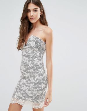Wal G Кружевное платье мини без бретелек. Цвет: черный
