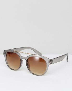 Jeepers Peepers Солнцезащитные очки. Цвет: серый