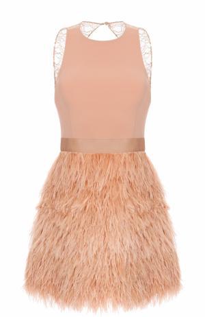 Мини-платье без рукавов с отделкой из пера страуса Alice + Olivia. Цвет: светло-розовый