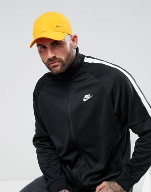 Nike Оранжевая кепка с металлическим логотипом-галочкой 340225-804. Цвет: оранжевый