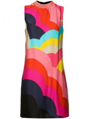 Платье-шифт с декорированной горловиной Trina Turk. Цвет: многоцветный