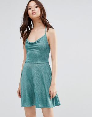 Wal G Блестящее платье на бретельках. Цвет: зеленый