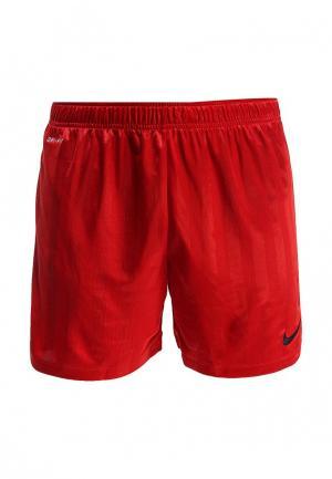 Шорты спортивные Nike. Цвет: красный