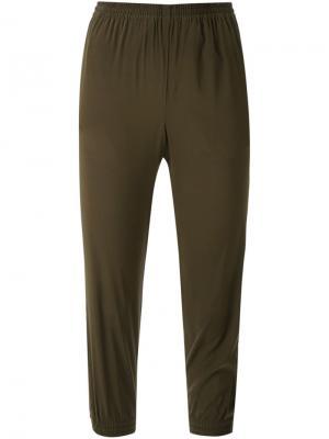 Укороченные брюки Scanlan Theodore. Цвет: зелёный