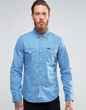 Lee Джинсовая рубашка слим в стиле вестерн. Цвет: синий