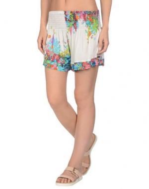 Пляжные брюки и шорты MISS BIKINI. Цвет: белый
