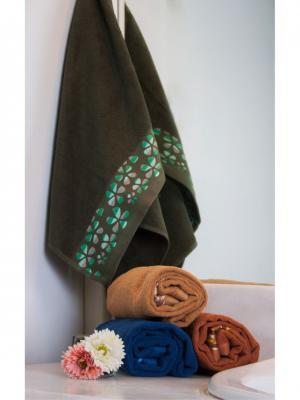 Полотенце махровое 80х140 Треболь т.зеленое TOALLA. Цвет: темно-зеленый