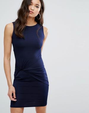 Girls on Film Платье мини с отделкой в стиле узла спереди. Цвет: темно-синий