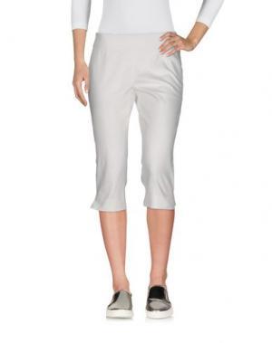 Джинсовые брюки-капри DONNA KARAN. Цвет: белый