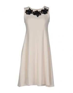 Короткое платье KAOS. Цвет: слоновая кость