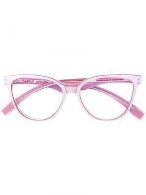 Очки в оправе кошачий глаз Family Affair. Цвет: розовый и фиолетовый