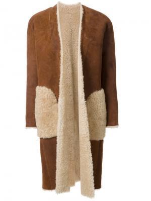 Пальто As MTN Astraet. Цвет: коричневый