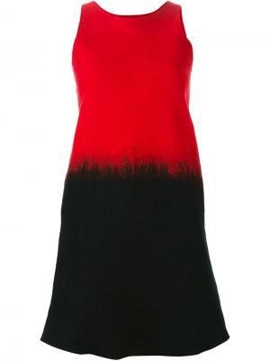 Платье-шифт без рукавов Sybilla. Цвет: красный