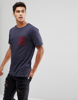 Troy Футболка с карманом. Цвет: темно-синий