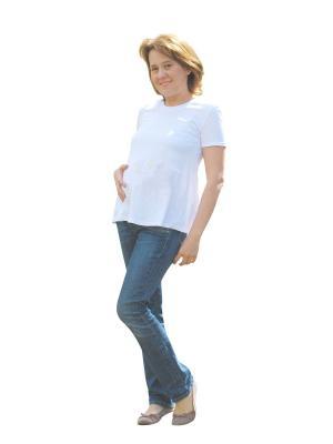 Белая футболка без надписей для беременных Мы команда. Цвет: белый