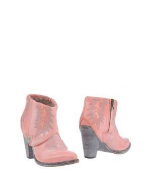 Полусапоги и высокие ботинки HTC. Цвет: розовый