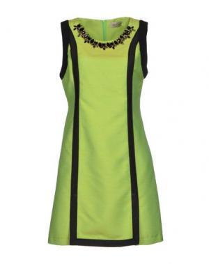 Короткое платье KI6? WHO ARE YOU?. Цвет: кислотно-зеленый