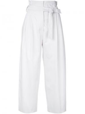 Укороченные брюки с поясом Alberta Ferretti. Цвет: белый