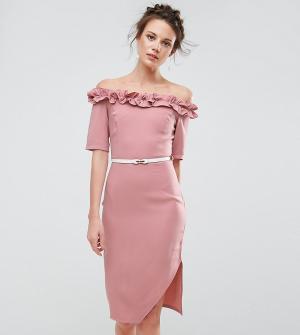 Paper Dolls Tall Платье-футляр с открытыми плечами и рюшами. Цвет: розовый