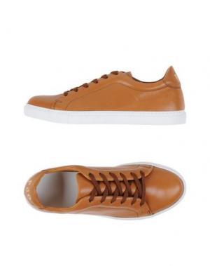 Низкие кеды и кроссовки PANTOFOLA D'ORO. Цвет: коричневый