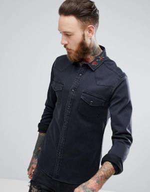 ASOS Черная джинсовая рубашка зауженного кроя с цветочной вышивкой на ворот. Цвет: черный