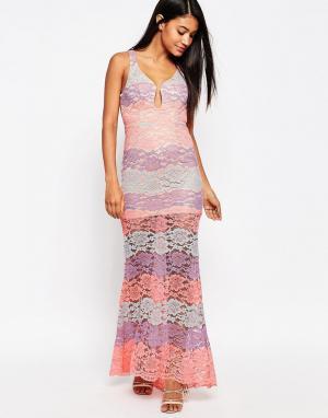 Love Triangle Кружевное платье макси с глубоким вырезом. Цвет: розовый
