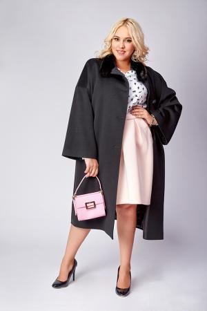 Длинное пальто  черного цвета из шерсти Loro Piana Heresis. Цвет: черный